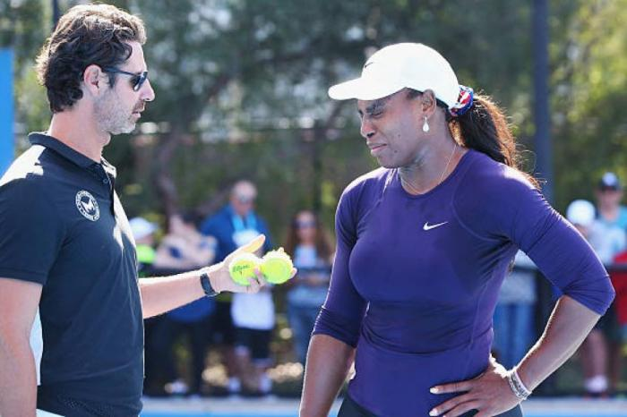 """Serena Williams ne rigole pas au travail"", raconte Mouratoglou"