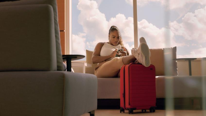 Serena Williams collabore avec 'Away Luggage Collection'