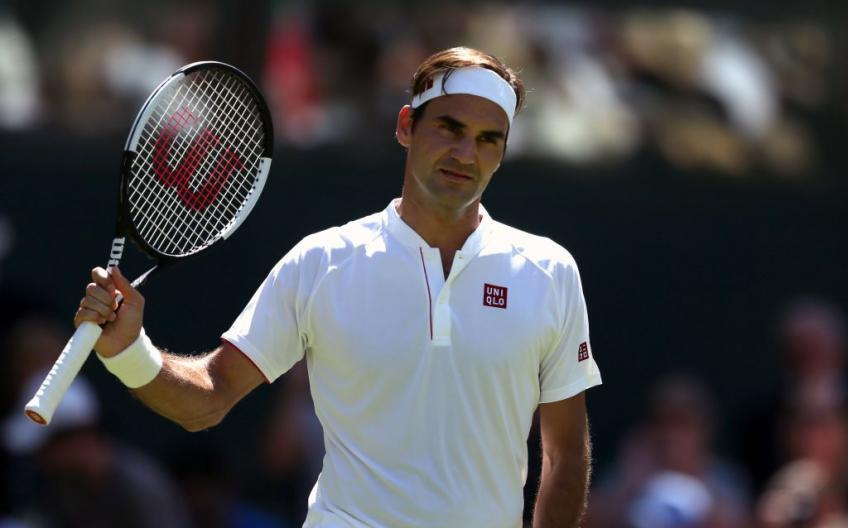 Roger Federer applaudit Uniqlo pour l'acquisition de 10 millions de masques